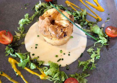 Muffin chorizo lardons & sauce fromage